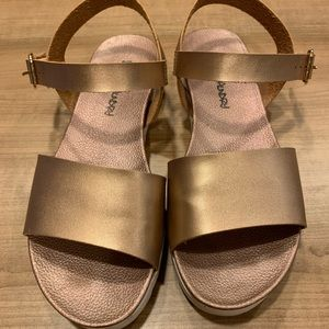 Ladies size 9.5 copper leather sandals